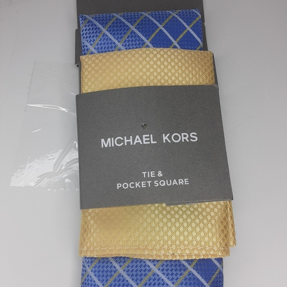 Micheal Kors tie and pocket square